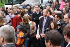 Rund 300 Bürger nahmen an der Feier teil.